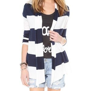 A blue and white duster!